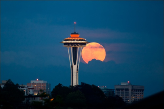 the_right_candidate_super_moon_lg