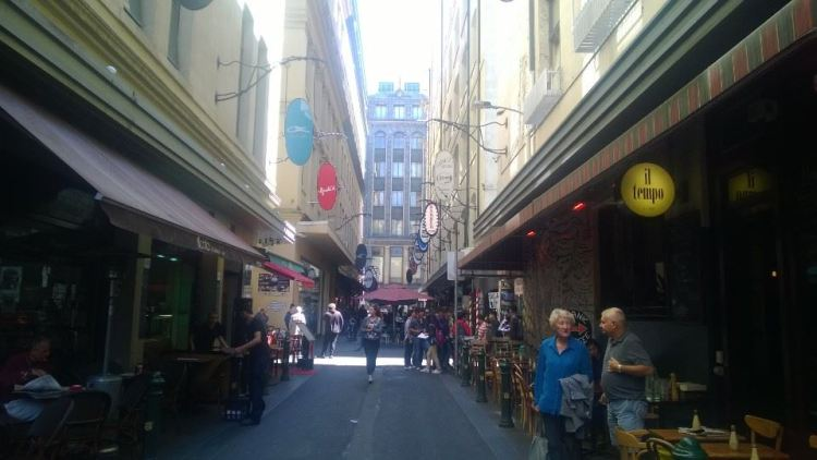 the_right_candidate_melbourne_degraves_st_laneway